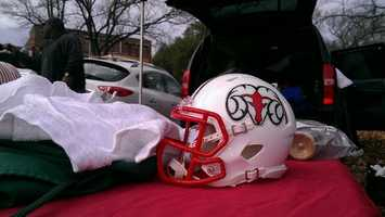 A miniature Rams helmet helps protect the tailgating area. (Kenny Beck/WXII)