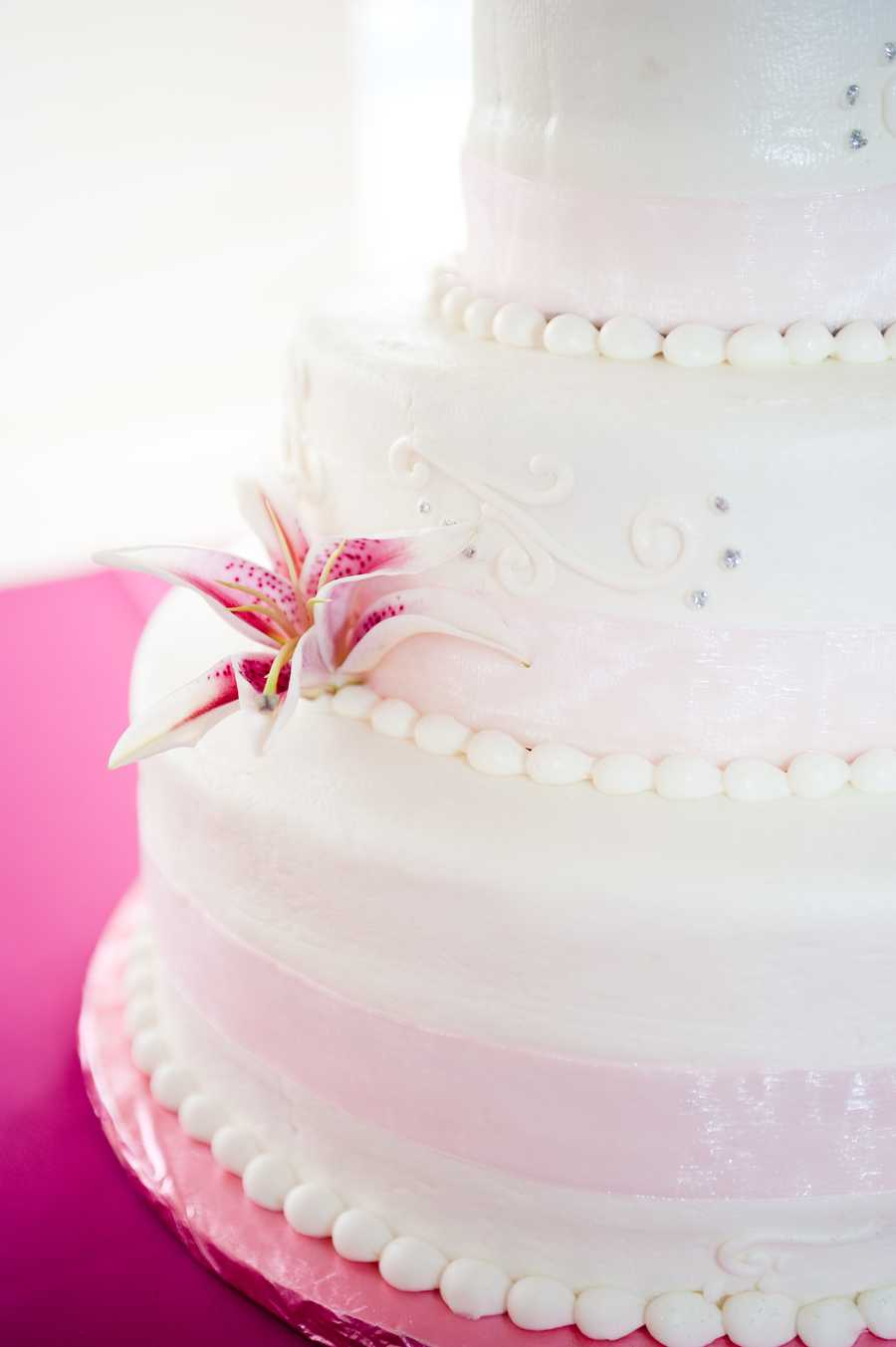 The Valentine's Day Wedding Theme can be shown with beautiful wedding cakes with red, white and pink representing love...