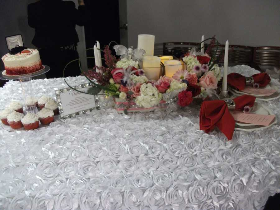 This nice seating can be arranged for your girlfriend for a Valentine's Dinner and surprise proposal! Also the same items can be incooperated into your wedding planning. (E'MAGINE WEDDINGS AND EVENTS)