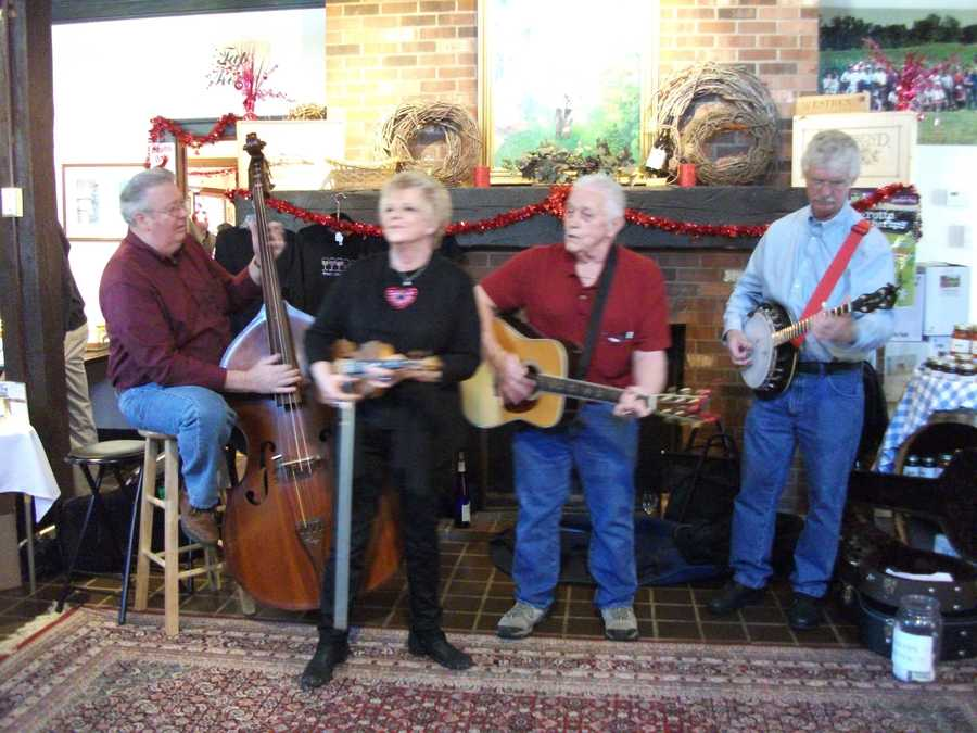It's good to check ahead for events because bands play for some and you can enjoy dancing along with the music while touring. (Westbend Vineyards and Brewhouse)
