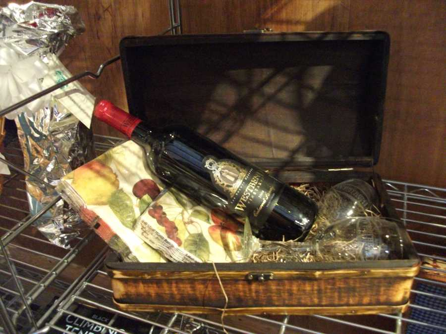 Maybe a nice pinic basket with a bottle of wine from the vineyard and some glasses is a nice wedding present to get the couple. (Westbend Vineyards and Brewhouse)