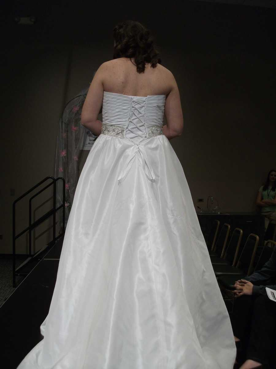 This back is beautiful with long flowing silky like trail.