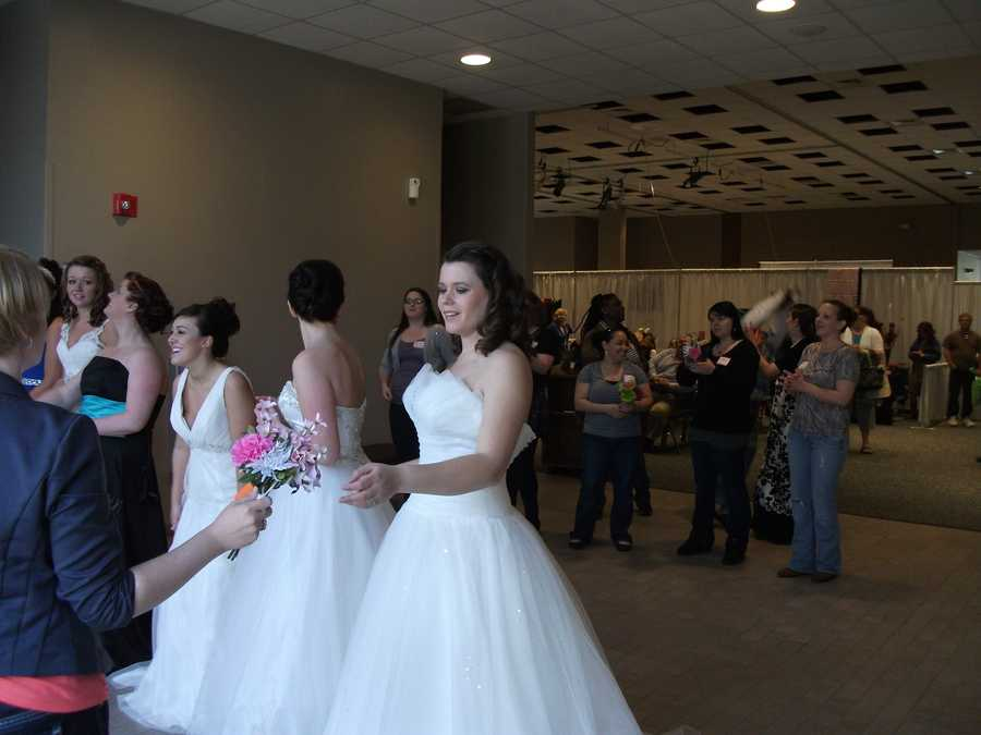 The models enjoyed themselves as well as the guests in the bridal bouquet tossing.