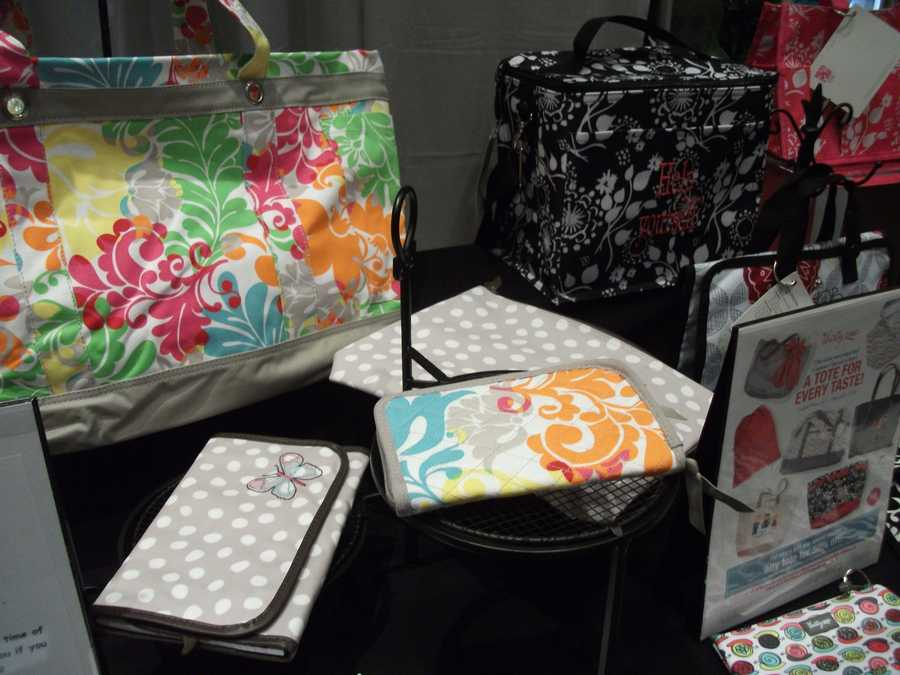 Thirty-One Gifts has nice bags and purses that the future bride can buy as gifts for the maid of honor and bridesmaids.