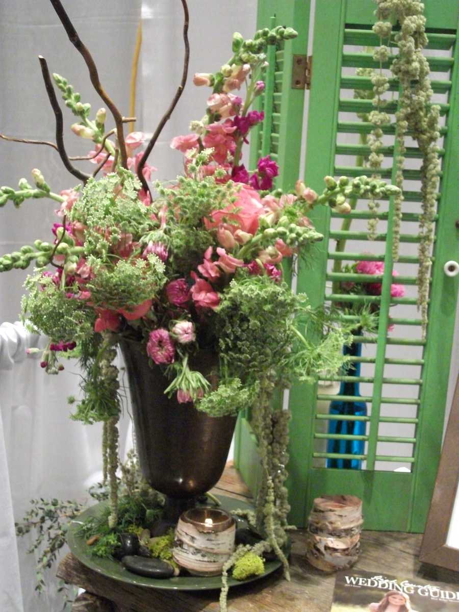 Desi's Floral & Design Studio can make the most unique flower arrangements for your wedding.