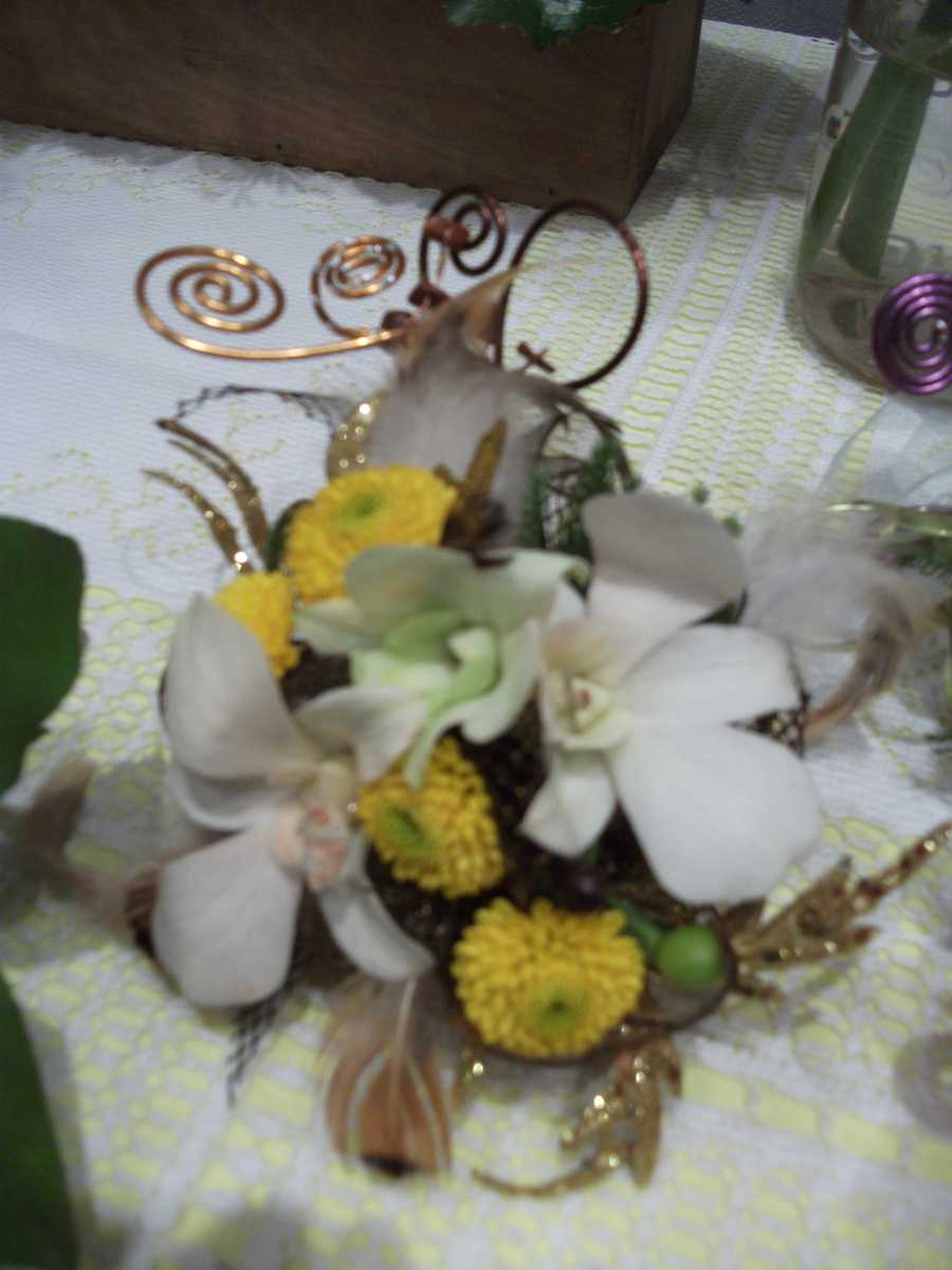 Innovative Occasions had these beautiful spring/Easter themed wedding flowers for decor.