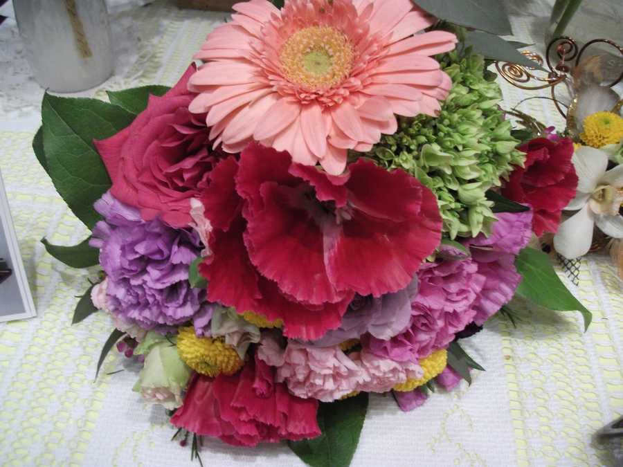 Innovative Occasions had some beautiful bouquets for spring/summer weddings.