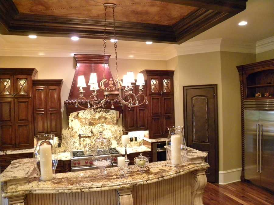 Gourmet Kitchen with trey ceiling