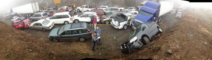 Panorama of I-77 pileup (Courtesy Justin Engel via WCNC)