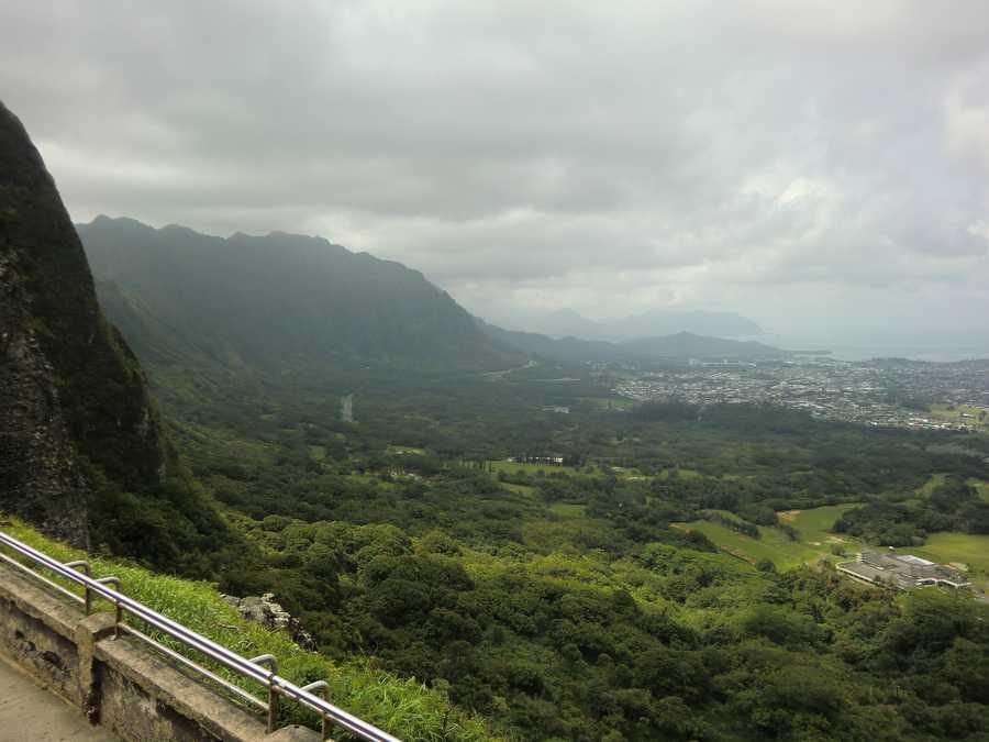 "May of 1795 the Battle of Nuuanu (pronounced ""Noo oo ah noo"") was the last major Hawaiian battle that united the island tribes under one monarch, King Kamehameha from the the Big Island of Hawaii."