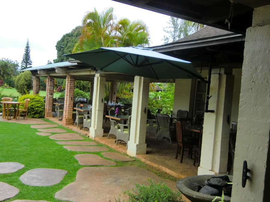 The view was really nice to sit outside, eat and enjoy the Hawaiian fresh breezes.