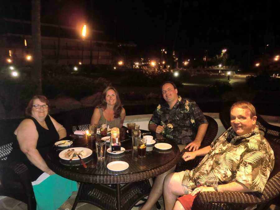 Dinner for four in Maui with excellent Hawaiian dishes.
