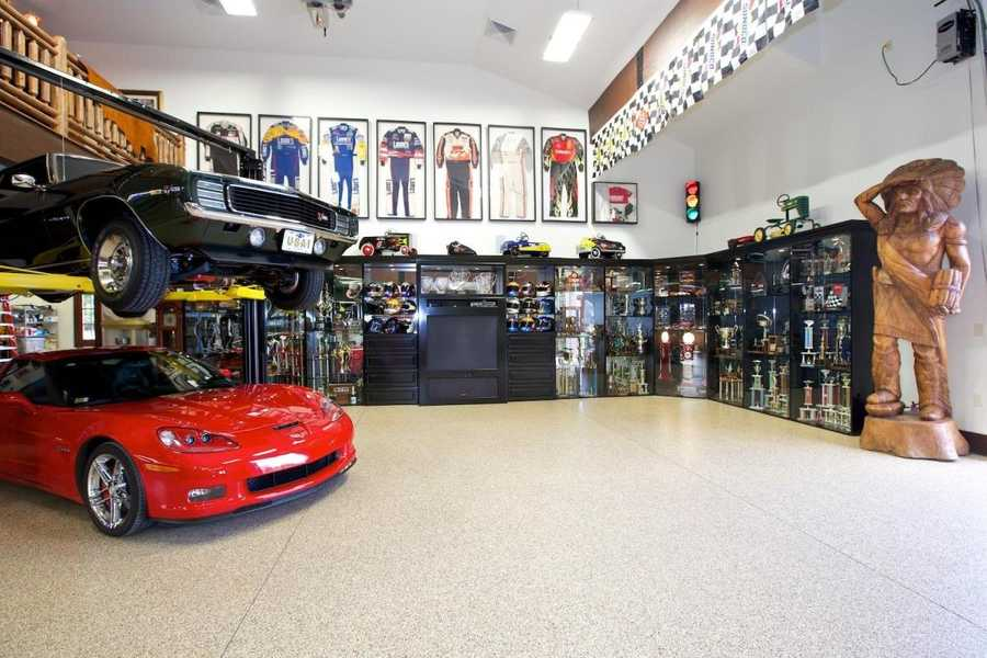 Custom Showroom Garage