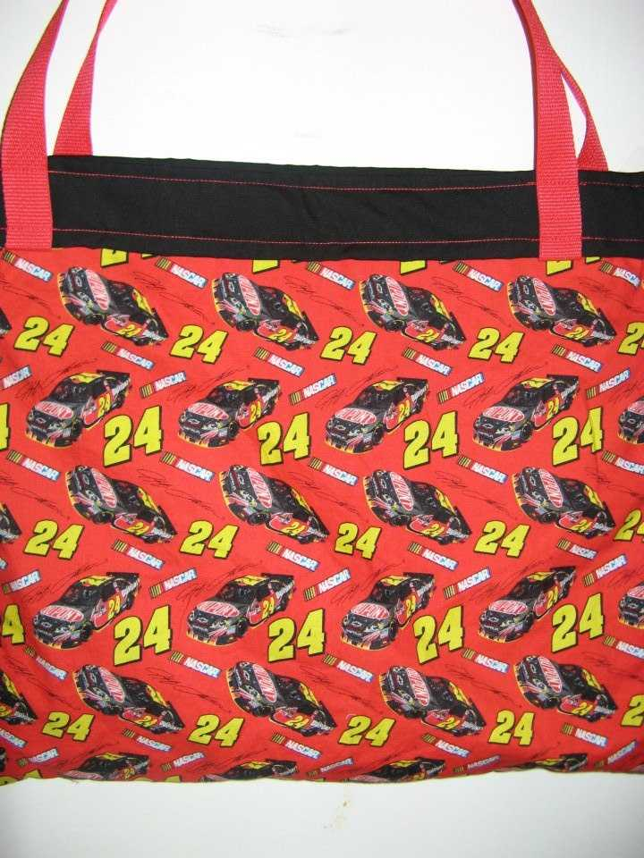 Interested in the NASCAR themed favor bags for the men? These tote bags will make great bags for the bestman and groomsmen goodies. (The Hags Bags)