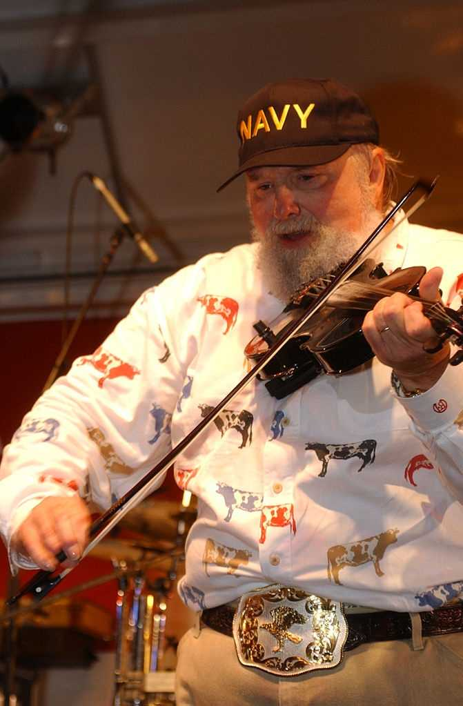 Charlie Daniels (born 1936), singer/songwriter (Wilmington)