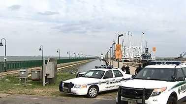 Boat overturns in James River in Newport News