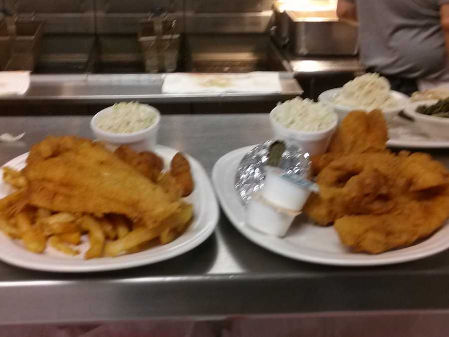 Also the fish platters are HUGE !!