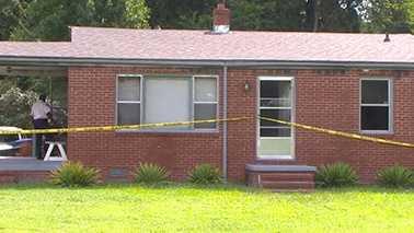 2 dead in Rocky Mount house fire