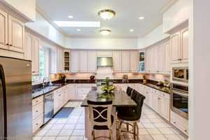 Gourmet Kitchen with Eat-In Bar