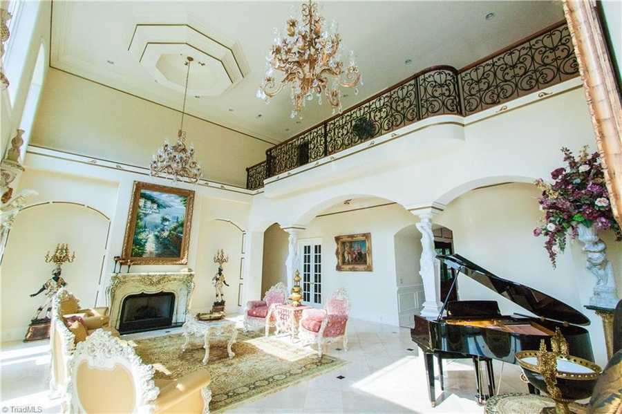 This estate is equipt with five fireplaces
