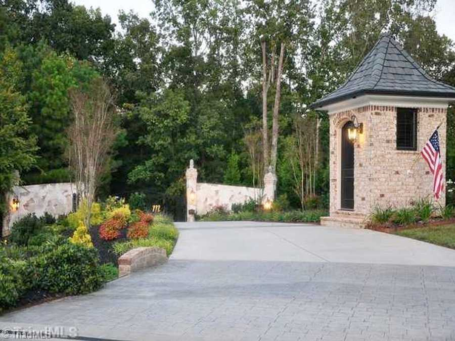 Gated entrance with Gate House