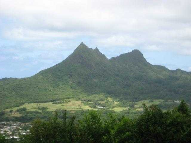A hikers dream but also any couple should enjoy the views on their honeymoon that Hawaii has to offer.