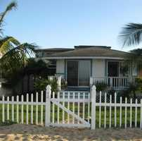 Great cottages on the islands to house the guests and/or you for the wedding and honeymoon.