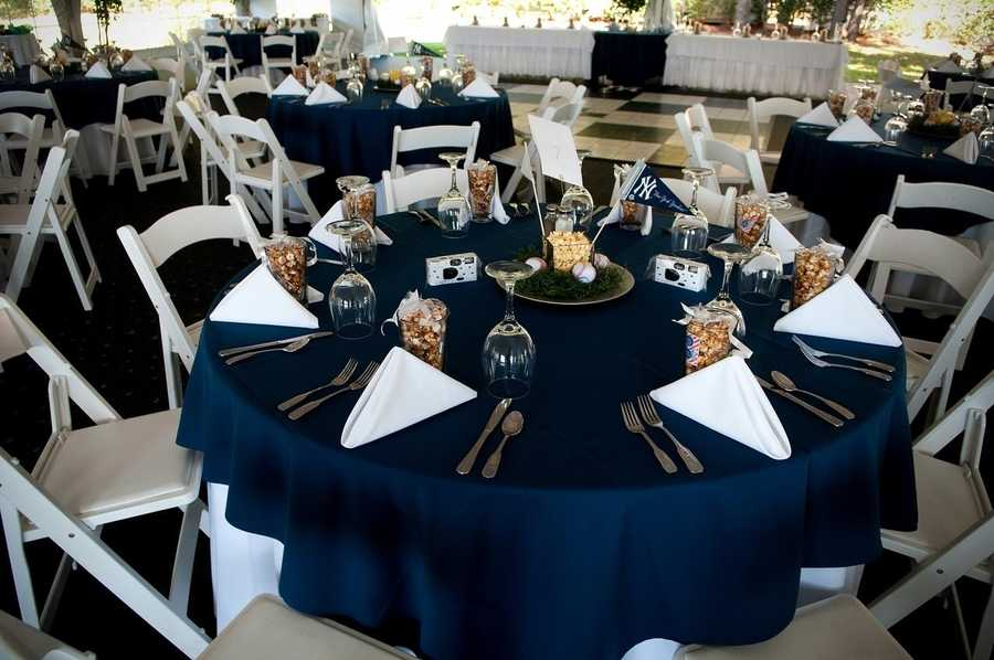 Don't forget to decorate your bachelorette, bachelor parties and wedding shower, even rehearsal dinners with little touches of the wedding theme.