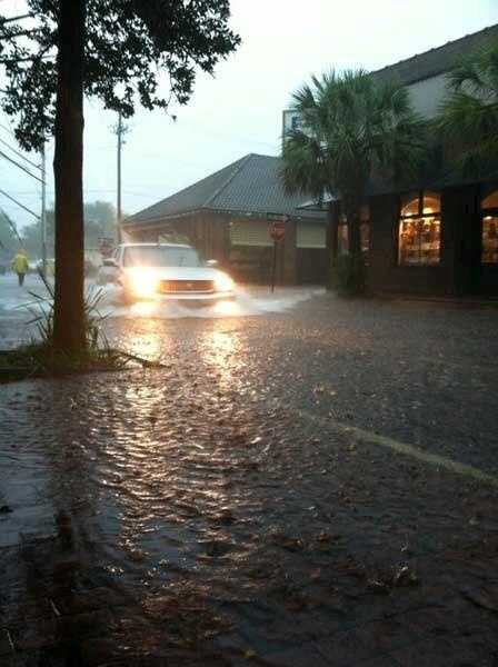 Isaac brings flooding to Charleston: All pictures from WCSC.com