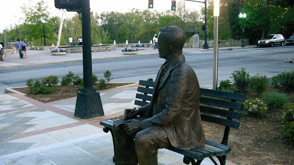 Charles Towne statue