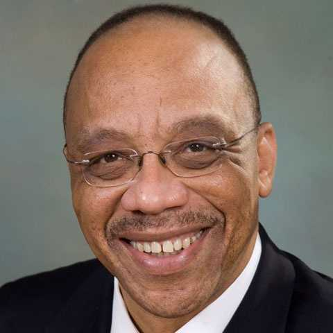 Eugene Harold Robinson (1955- ) Born in Orangeburg, SC:  Pulitzer Prize-winning newspaper columnist Robinson is the former assistant managing editor of The Washington Post.