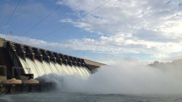 Lake Hartwell Dam spill gates
