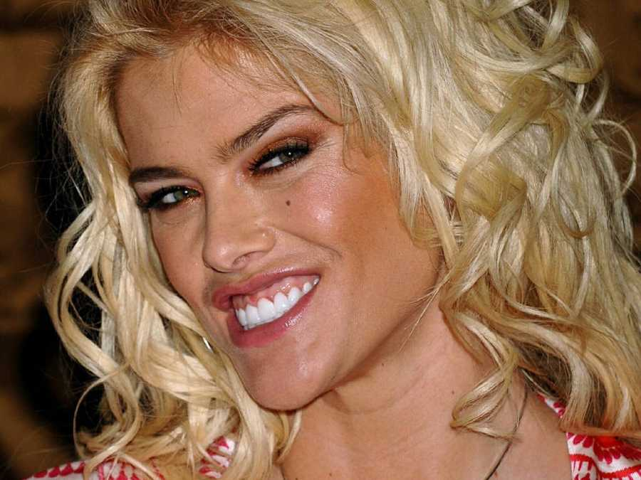 Anna Nicole Smith, model-actress