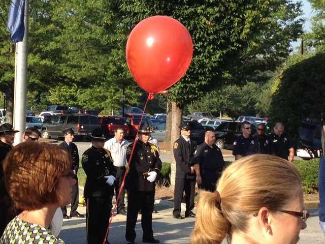 Everyone at the Mary Black Health System event gets a balloon to release at the end.