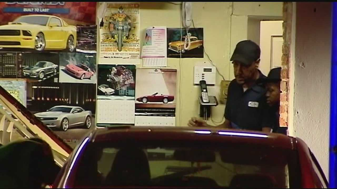 img-Car crashes into Burgess Auto Service in Greenville County 11P H
