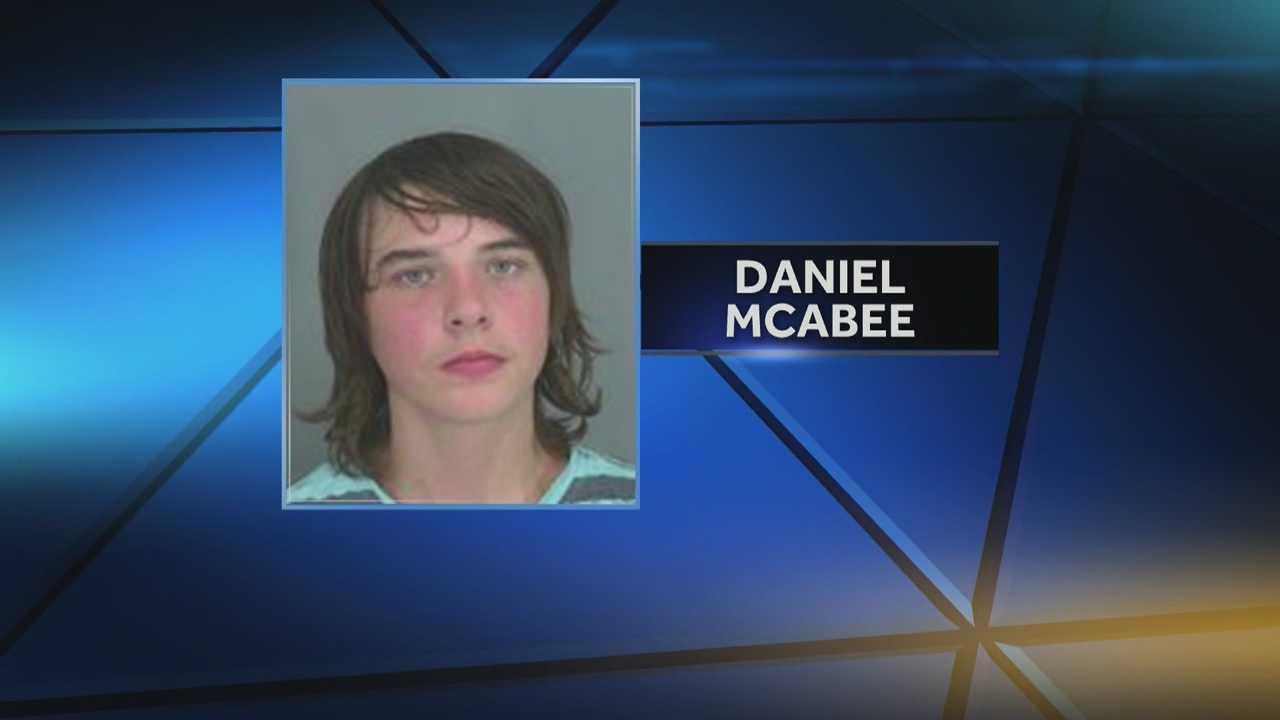 img-Teen under arrest after investigators say he had pellet gun outside school