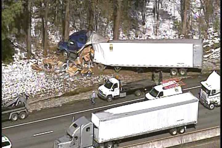 An accident involving a tractor trailer on Interstate 85 in Greenville County slowed traffic in the southbound lanes near mile marker 51 Friday morning.