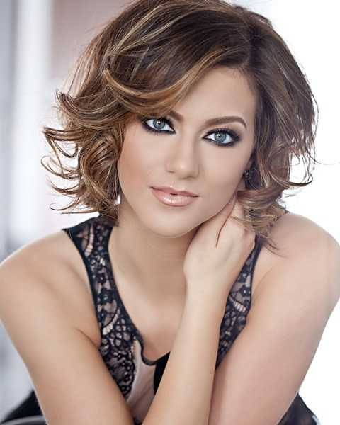 Lara Scott, Miss River City