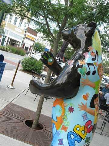 Find all the bears in downtown Hendersonville. (Jenni Knight)