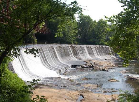 Explore Glendale Shoals in Glendale in Spartanburg.  (Mike McCormick)