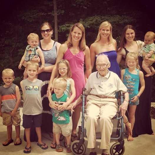 Liz's family still lives in Green Bay. Here is a picture with her grandpa, sisters, cousins and neices and nephews.