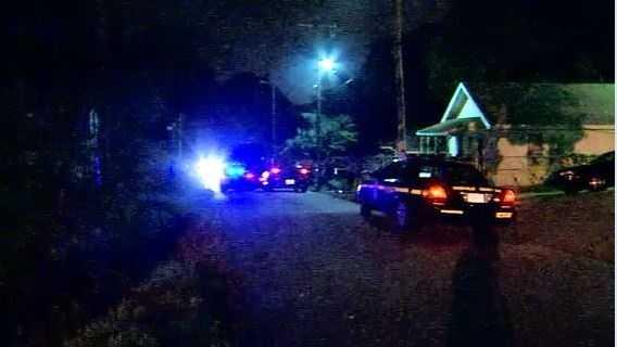 img - Deputies respond to reports of gunshot victim