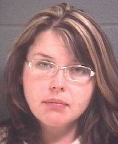 Kristine Nicole Gragg: Possession of cocaine, credit card fraud, probation violation