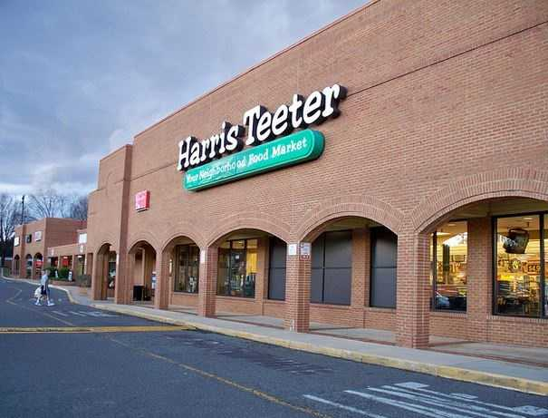 In 1936, W. T. Harris borrowed $500 to open his first grocery store in Charlotte, NC. He was a pioneer in the grocery industry, opening his first supermarket in 1949. Meanwhile, Willis L. Teeter and his brother, Paul, borrowed $1,700 to open their first Teeter's Food Mart in Mooresville, NC, in 1939.The two young, prospering companies first combined efforts in 1958 when they pooled their buying efforts and storage facilities. On February 1, 1960, Harris Super Markets and Teeter's Food Marts officially merged to form Harris Teeter Super Markets, Inc.