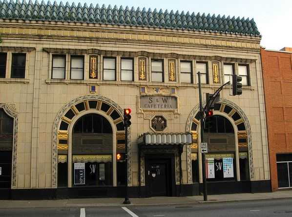 The S&W company was organized in 1920 byFrank Odell Sherrilland Fred Weber who had served asmesssergeants together in World War I. The first restaurant was at Ivey's department store on Trade Street in Charlotte.