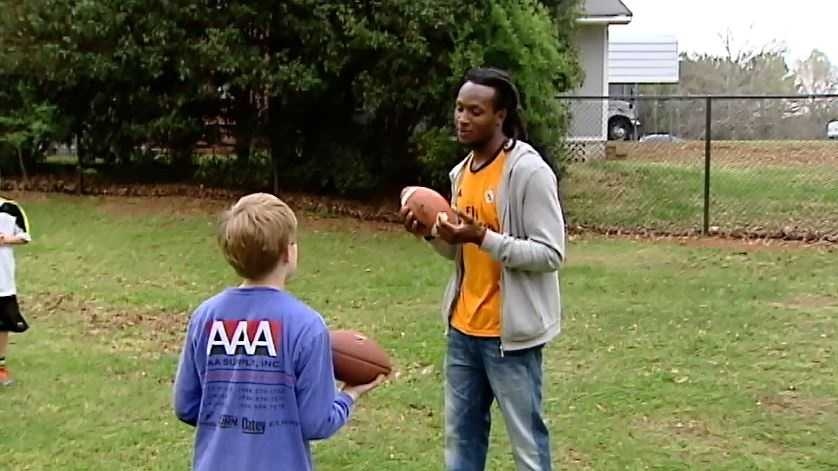 Deandre Hopkins 'scores' with his hometown