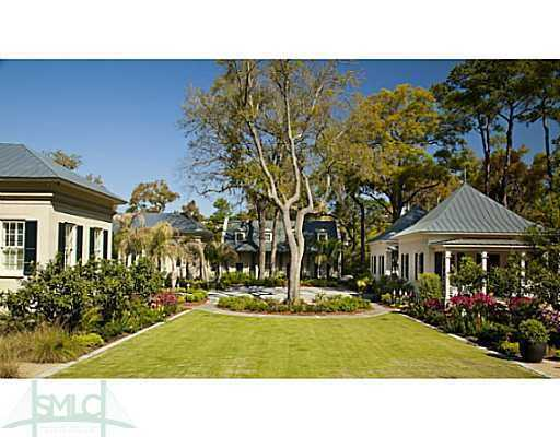 Deen's 5+ acre Riverbend estate is listed for $12,500,000.