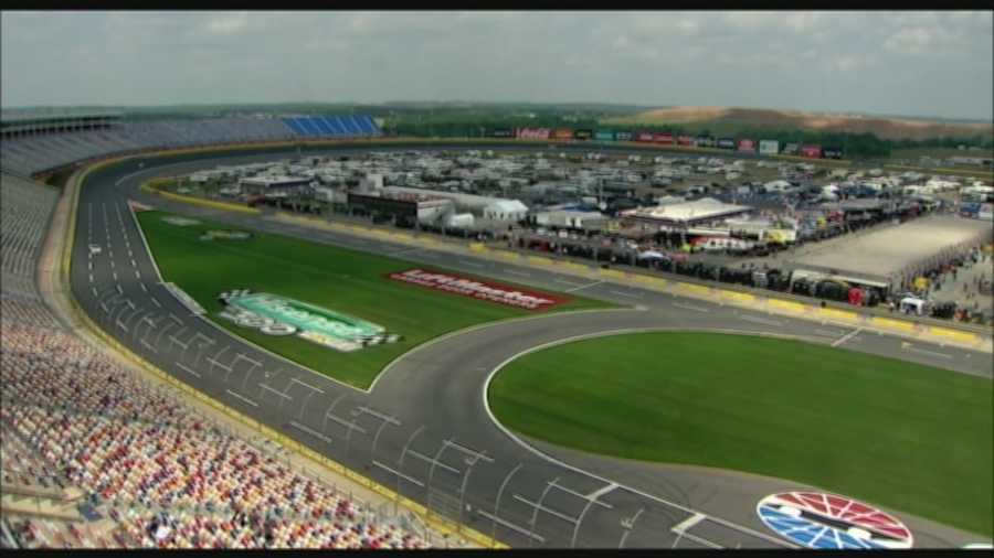 charlotte motor speedway to show fans the restart zone