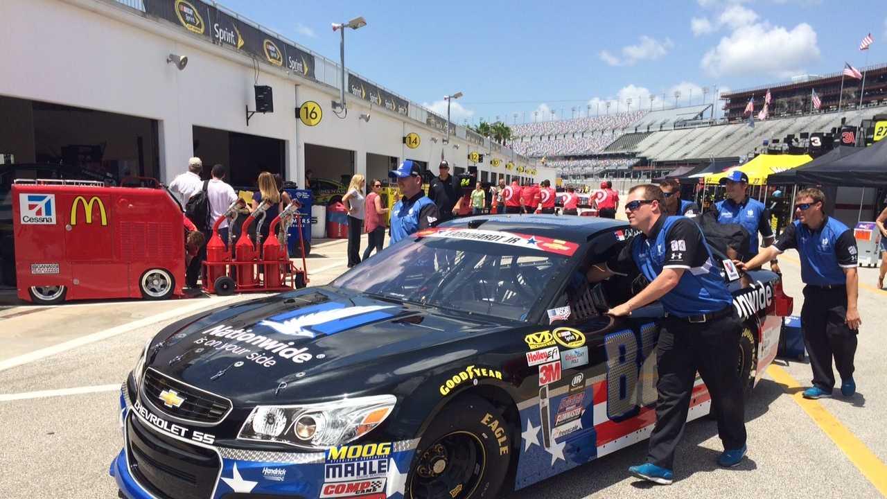 Dale Earnhardt Jr.'s car - Nationwide #88