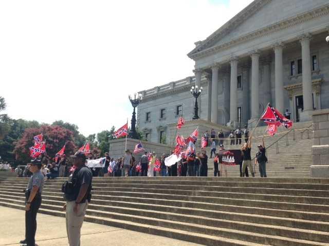 KKK arrives at south side of Statehouse